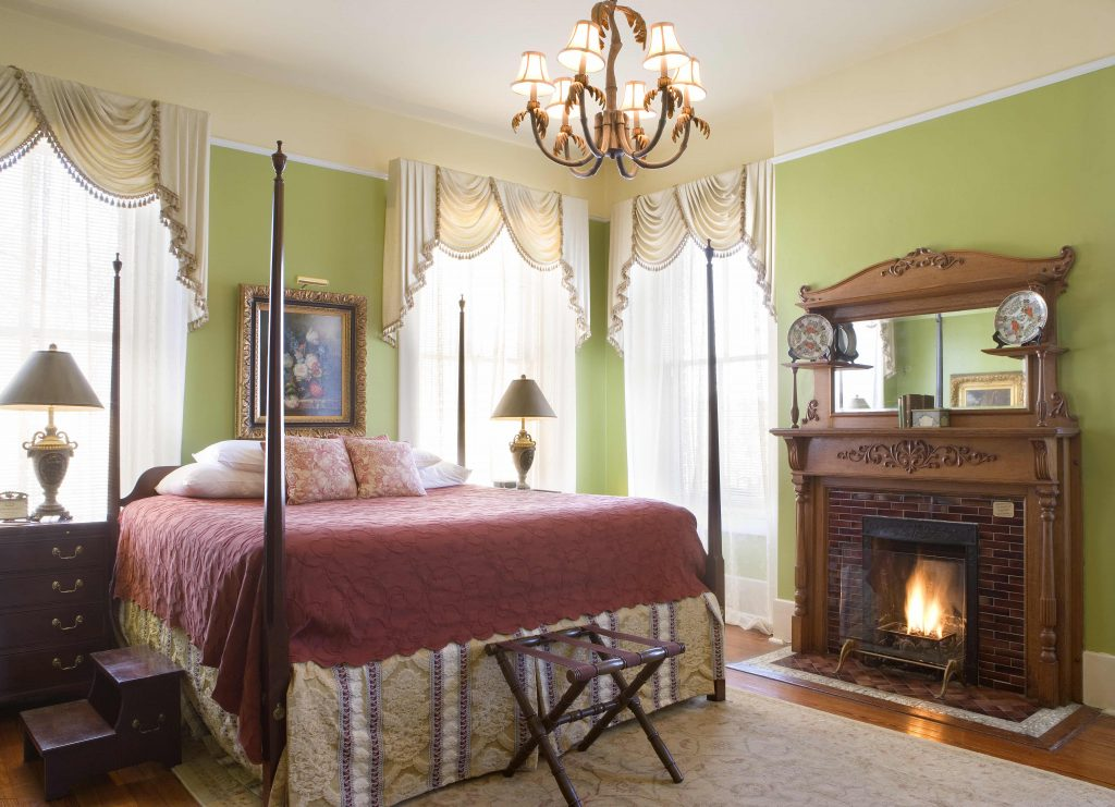 romantic Savannah bed and breakfast